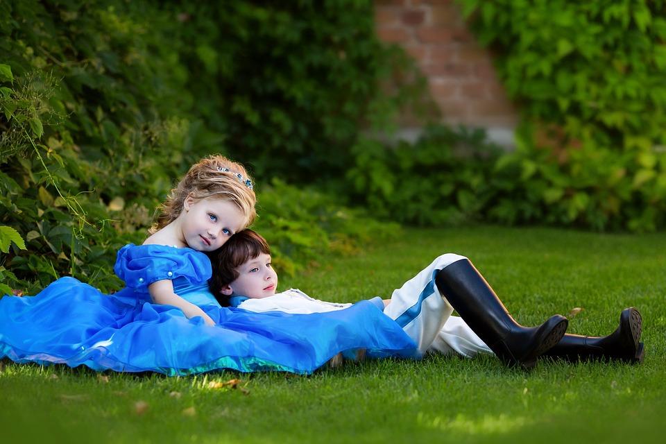 prince-and-princess-2974424_960_720